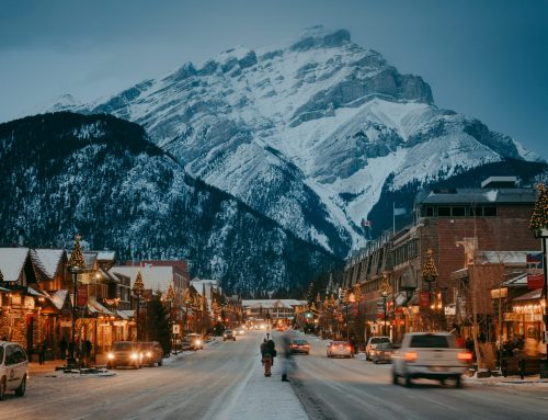 Where to Stay? Canmore or Banff